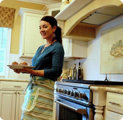 centsational girl in kitchen