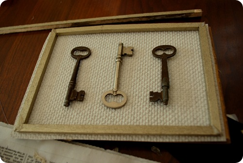 hot glue frame and keys