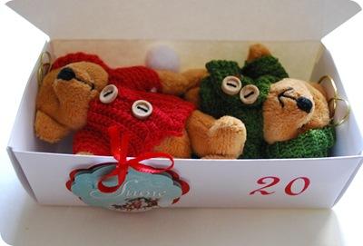 teddys in box