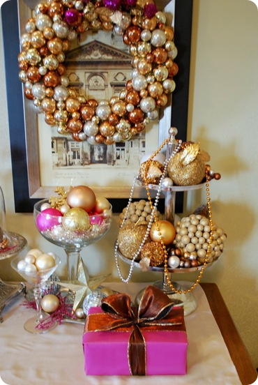 gold wreath pink box