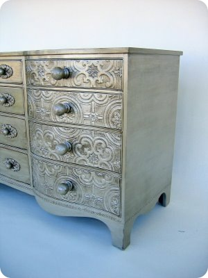 Design Fixation Metallic Finishes On Furniture