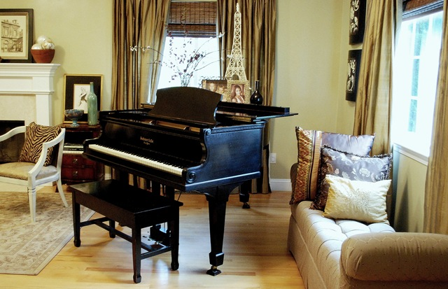 Living room inspiration i need you centsational style for How much space does a baby grand piano need