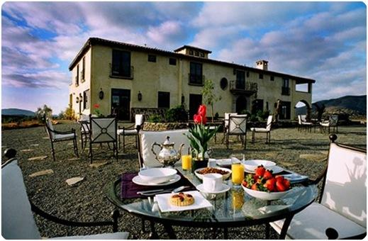 villa breakfast