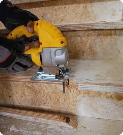 cut edges of plywood tread