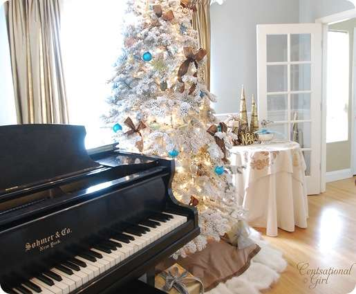 cg piano and tree