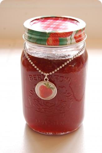 berry jar charm theartofdoingstuff