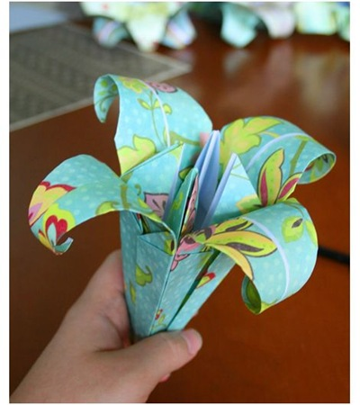 fold a paper lily