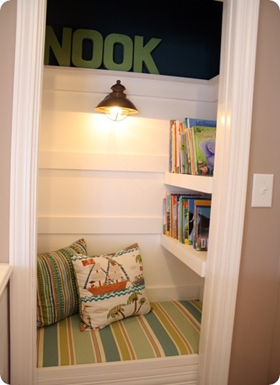 book nook thrifty decor