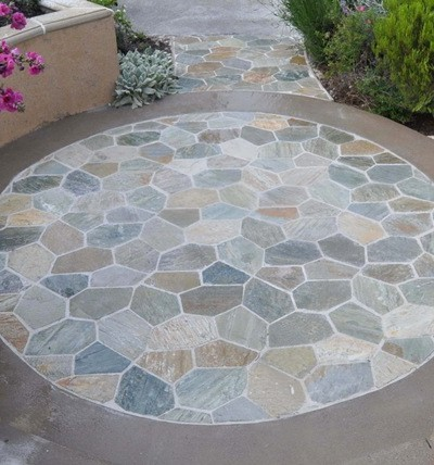 circle-patio-when-wet.jpg