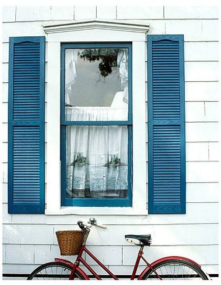 perfect blue shutters trim