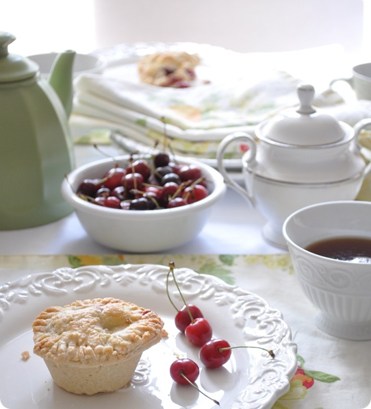 tea with pie