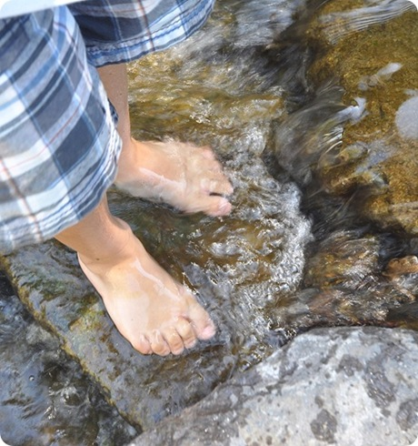 feet-in-water_thumb3