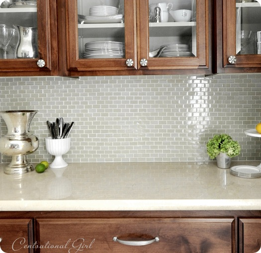 glass backsplash new knobs