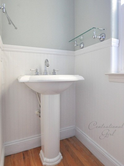 beadboard-wallpaper-sink-side-cg.jpg