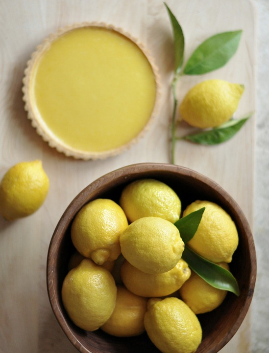 lemons in bowl