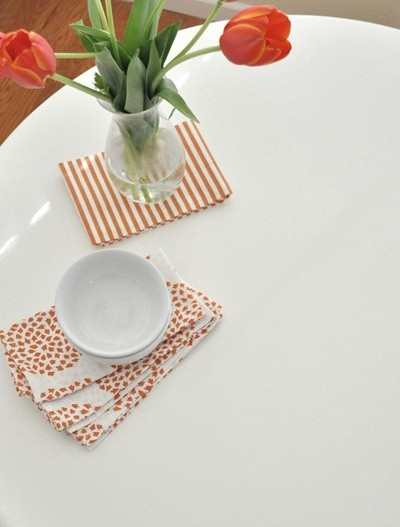 painted-white-surface-of-kitchen-table.jpg