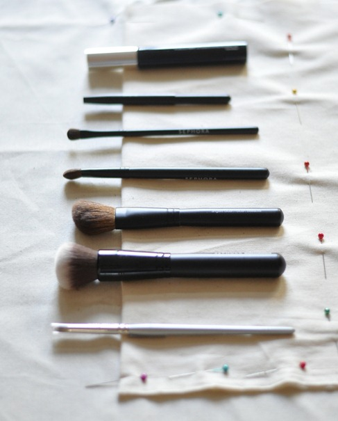 align brushes on pouch