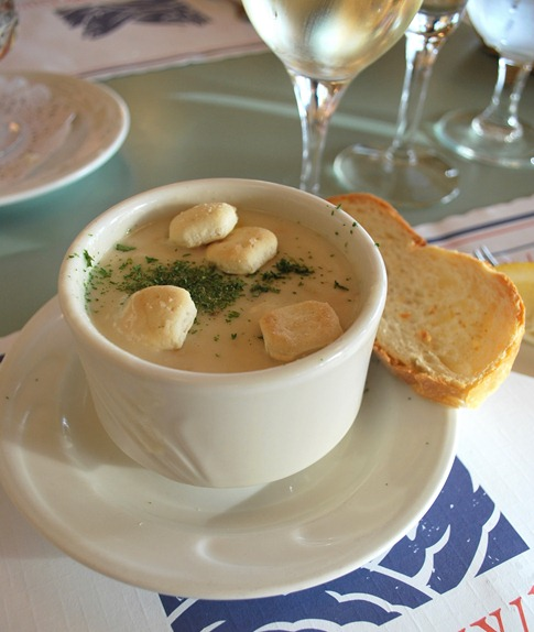 bowl of clam chowder