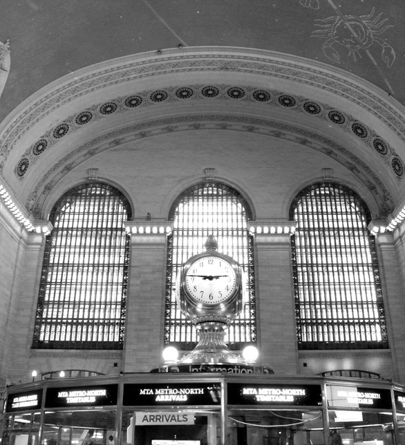grand central station clock black and white