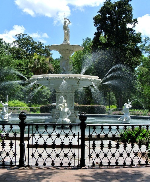 downtown savannah fountain