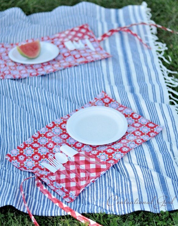 picnic pocket placemat on blanket cg