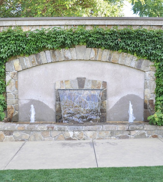 courtyard fountain yountville