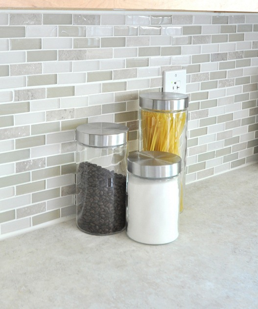 glass tile and laminate countertop