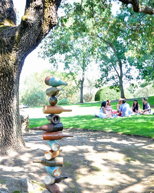 sculpture and picnic
