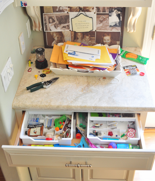 Organization Ideas For Junk Drawers: Organizing The Junk Drawer (please Contain Your Excitement
