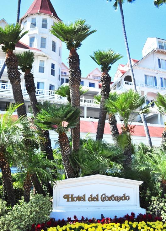 hotel del  coronado entrance