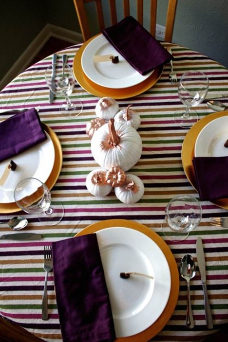 purple and gold tablescape