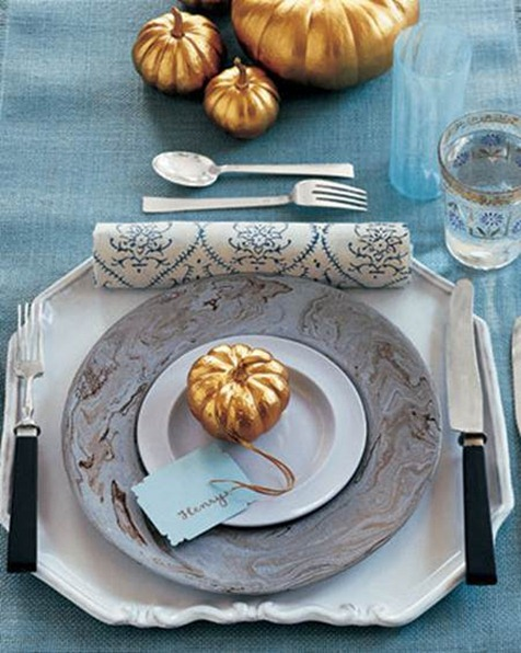 gold and pale blue tablescape