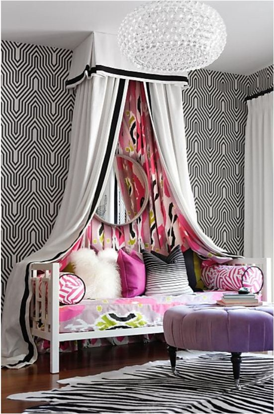 kriste michelini bedroom with mixed patterns