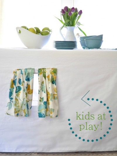 kids-at-play-tablecloth-tent.jpg