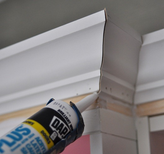 paintable caulk to fill holes
