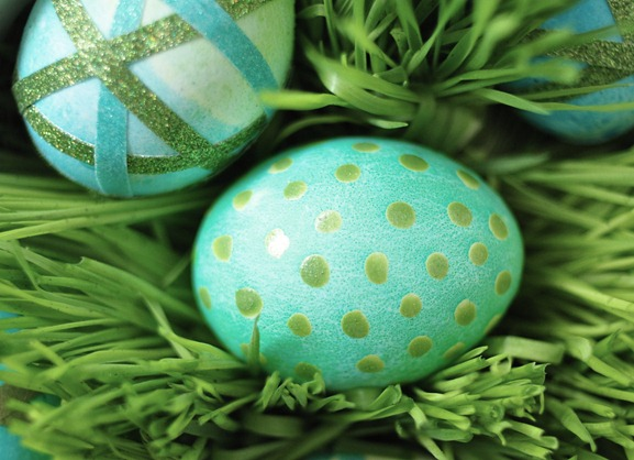 nailpolish spotted egg