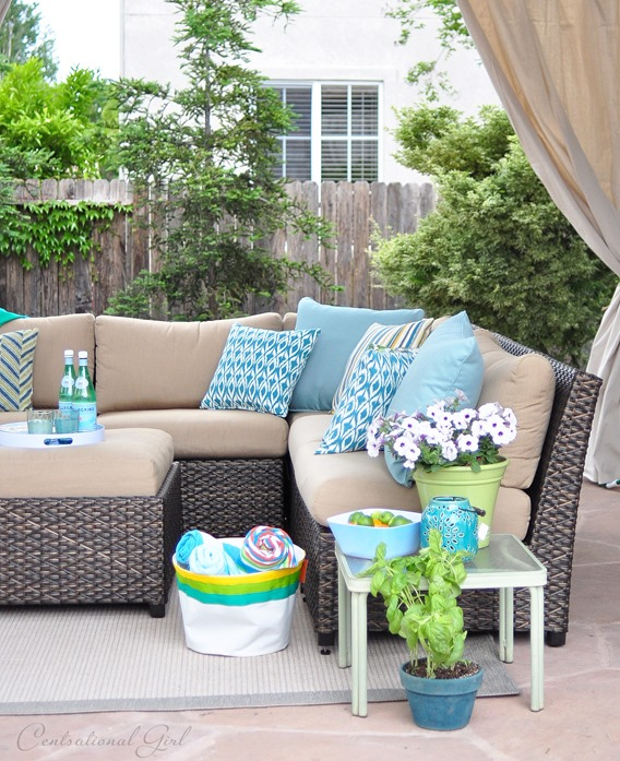 outdoor sectional with pillows