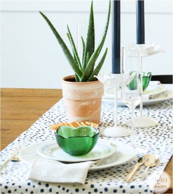 diy dot table runner inspiredbycharm