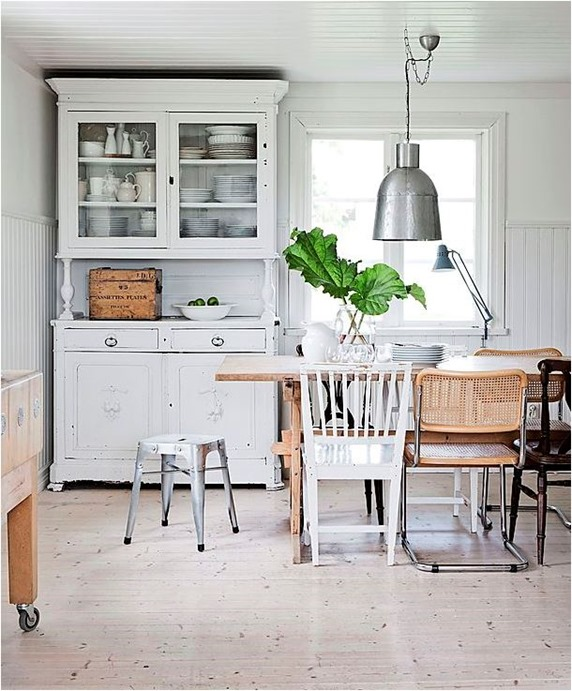 mixed wood tones with white