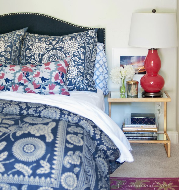 navy-and-raspberry-bedroom.jpg