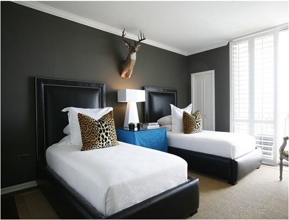 Decorating with black centsational girl - Black painted bedroom walls ...