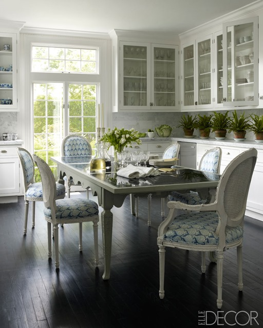 blue and white eat in kitchen elle decor