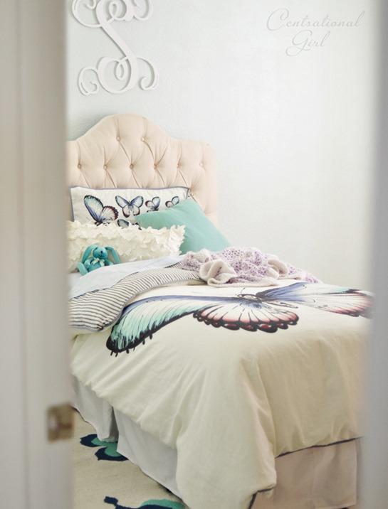 girls room peek