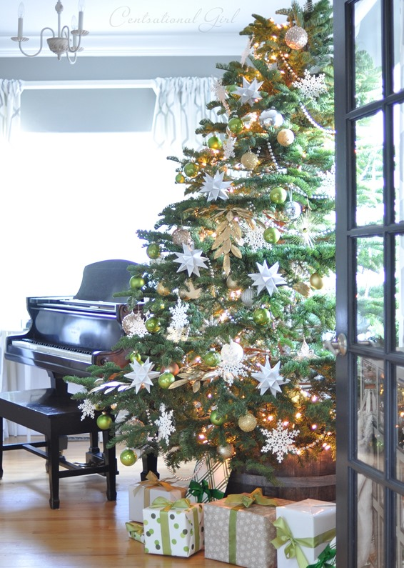 decorated tree and piano
