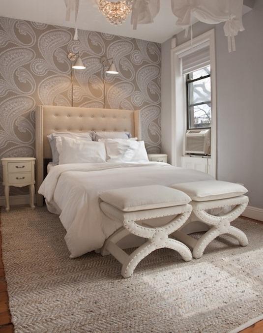 rajapur paisley wallpaper in bedroom