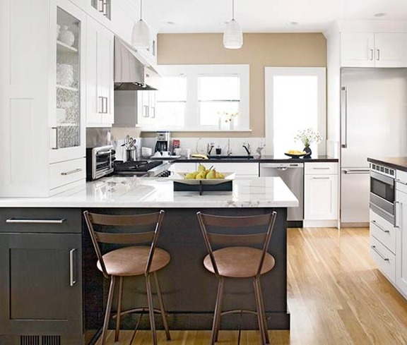 Two Tone Cabinets In Small Kitchen: 10 Kitchen Trends Here To Stay