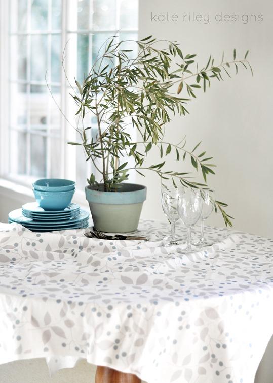 krd sprig tablecloth