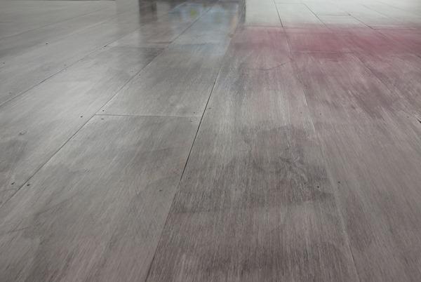 graywash plank floor