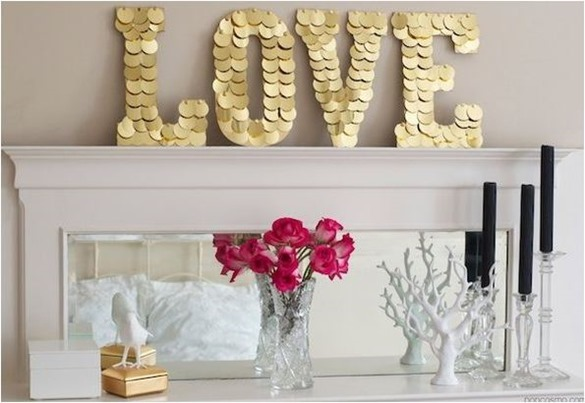 gold disks love sign
