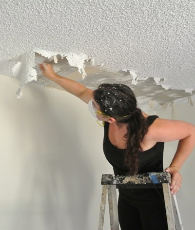kate-popcorn-ceiling.jpg